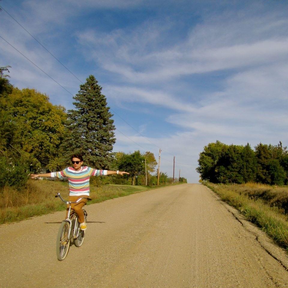 I Can Ride My Bike With No Handlebars Benjamin Phillips