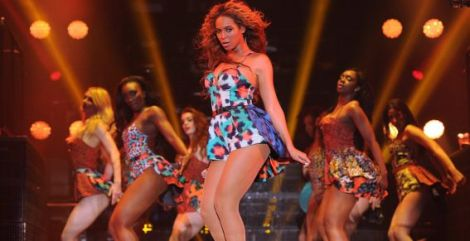 beyonce-grown-woman-paris-live