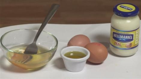 how-to-use-egg-as-hair-conditioner.WidePlayer