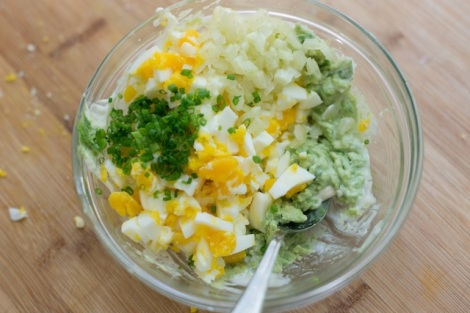 Avocado-Egg-Salad-Recipe-Step_1