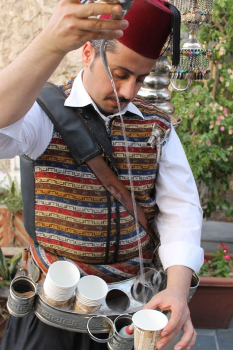 souq_waqif_doha_tea_seller_original.jpg